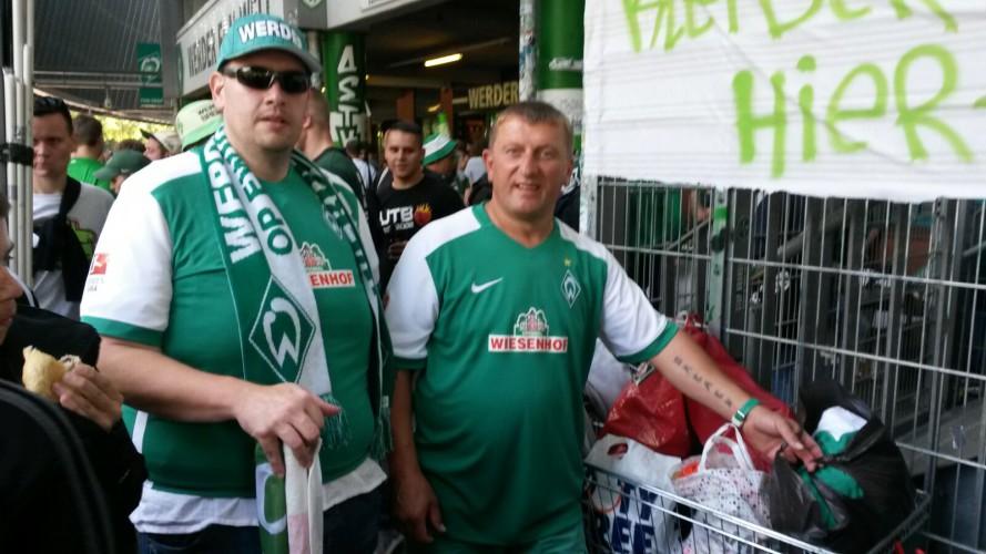 Integration durch Sport: Werder-Fanclub Ahoi-Crew unterstützt Flüchtlinge