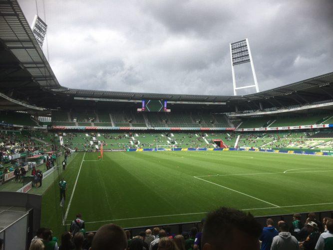 Tag der Fans: Testspielniederlage, Gedenkveranstaltung und gute Stimmung