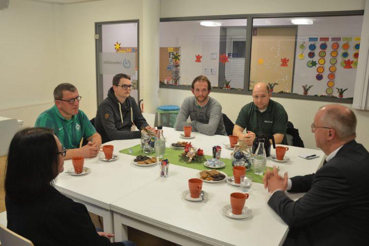 Ahoi-Crew übergibt 1.000 Euro an Familienentlastenden Dienst (FED) Osnabrück