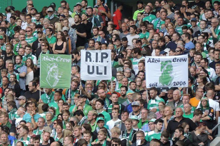 Augsburg-Heimspiel: Fanclub gedenkt verstorbenem Mitglied